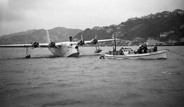 Evans Bay ca 1940s; modified landing gear for an absent runway
